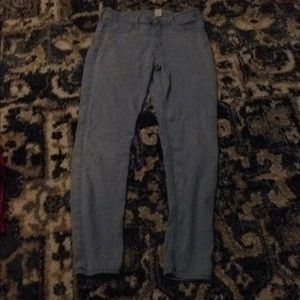 I am selling Light blue stretchy jeans